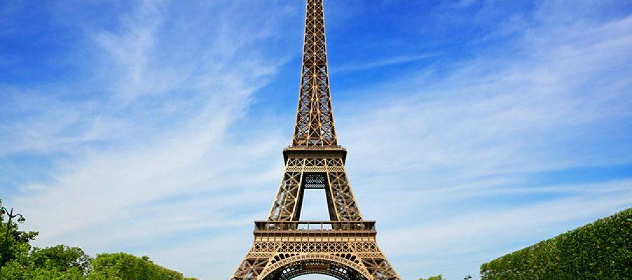 Ο πύργος του Άϊφελ υπό κατασκευή