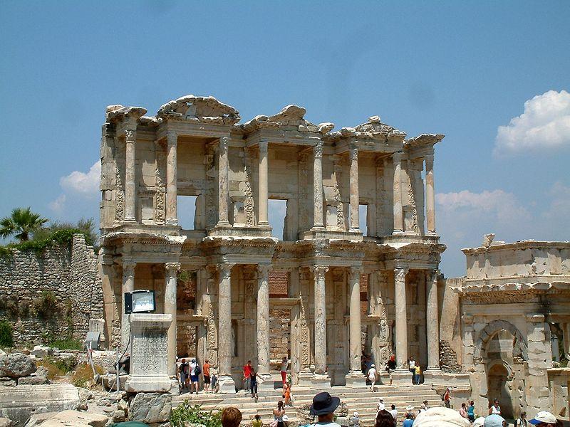800px-Efez_Celsus_Library_RB