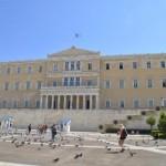 «Καυγάς» στη Βουλή κατά τη διάρκεια της απεργίας