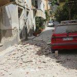 150 σπίτια κρίθηκαν ακατοίκητα στα Βρισά της Λέσβου, 350 οι άστεγοι