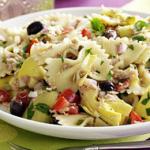 Σαλάτα με ζυμαρικά, λαχανικά και φέτα