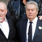 Τα δάκρυα του Αλέν Ντελόν στην κηδεία της Μιρέιγ Ντάρκ