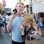 Τρόμος χωρίς τέλος στην Ισπανία – Διπλό χτύπημα σε Βαρκελώνη και Καμπρίλς – Ψάχνουν ακόμα τον οδηγό του λευκού βαν