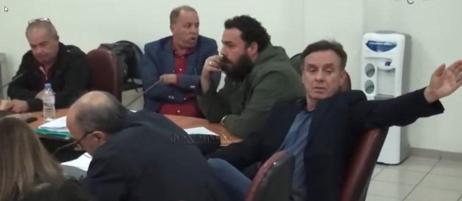 Δήμος Μακρακώμης ΔΣ 7.11.2018: Ο αρχηγός της μειοψηφίας κ. Μ. Σκούρας κάτι ψάχνει… ψάξε – ψάξε δεν θα το βρεις…