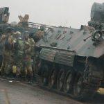 Πραξικόπημα στη Ζιμπάμπουε – Στρατιώτες και τεθωρακισμένα στους δρόμους