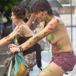 Τα ωραιότερα καρέ από την 8η Γυμνή Ποδηλατοδρομία Θεσσαλονίκης