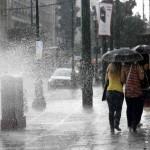 Ο καιρός τρελάθηκε! Έρχονται οι τοπικές καταιγίδες, χαλάζι και λασποβροχή